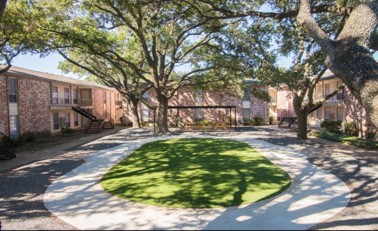 Monticello Square Apartments