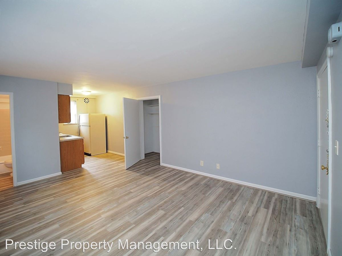 Studio 1 Bathroom Apartment for rent at 618 Probasco in Cincinnati, OH
