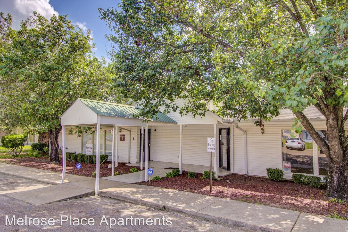 1 Bedroom 1 Bathroom Apartment for rent at 1595 West Highland Drive in Jackson, MS