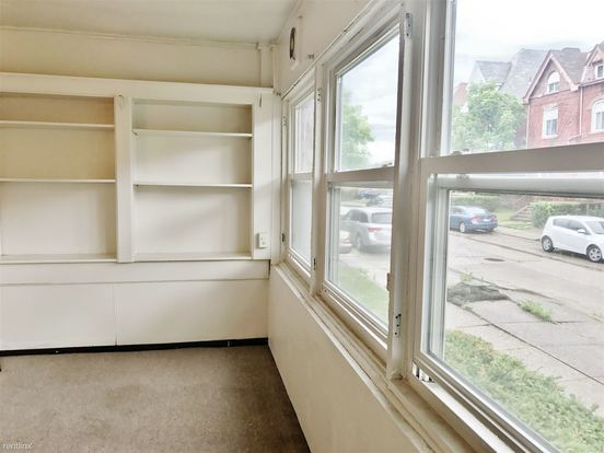 2 Bedrooms 1 Bathroom Apartment for rent at 222 S Saint Clair St in Pittsburgh, PA