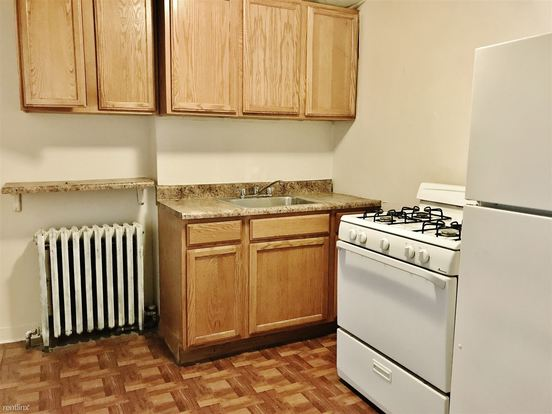 1 Bedroom 1 Bathroom Apartment for rent at 643 Collins Ave in Pittsburgh, PA