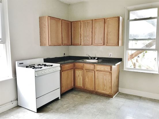 2 Bedrooms 1 Bathroom Apartment for rent at 742 N Beatty St in Pittsburgh, PA