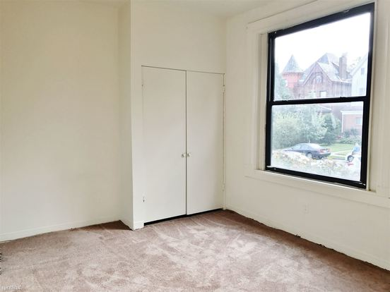 2 Bedrooms 1 Bathroom Apartment for rent at 5431 Stanton Ave in Pittsburgh, PA