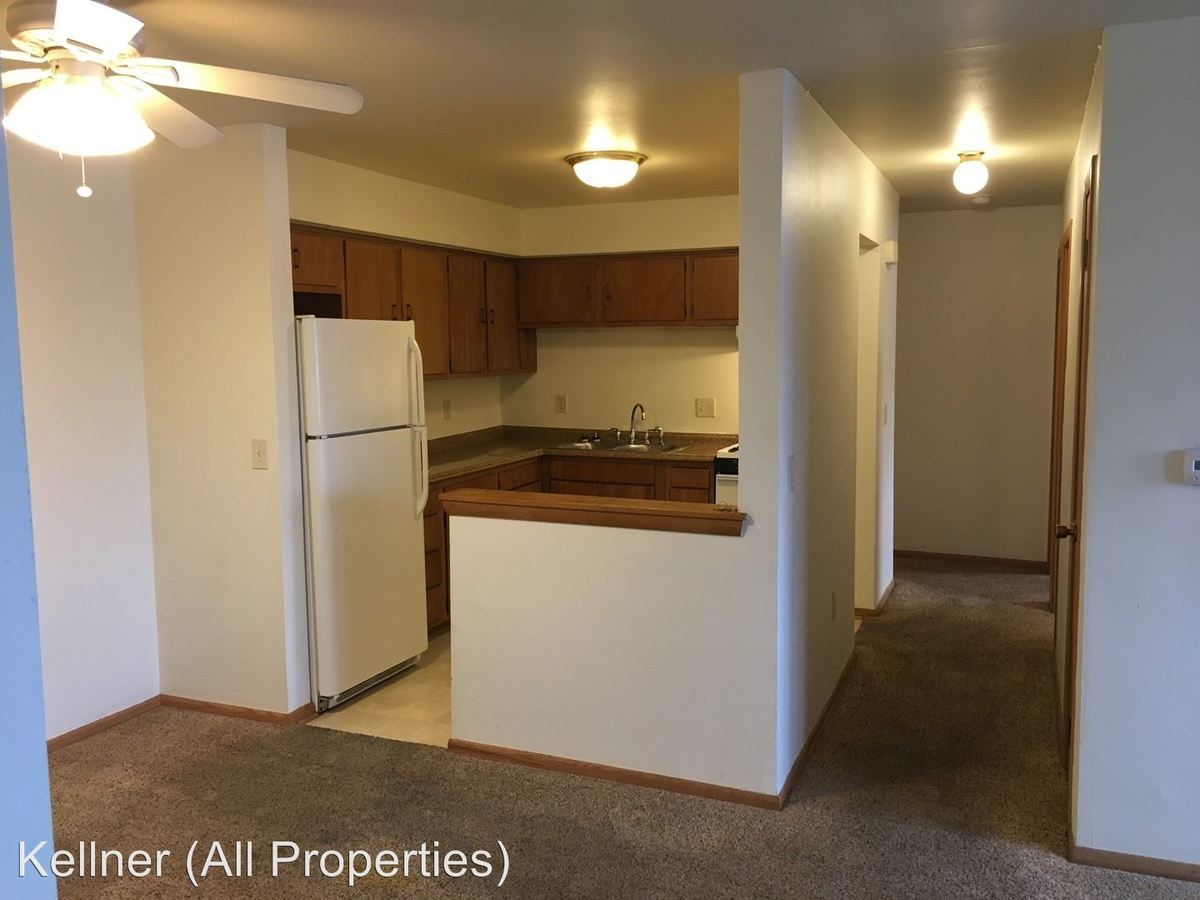 2 Bedrooms 1 Bathroom Apartment for rent at 3413-3439 South 26th Street in Milwaukee, WI