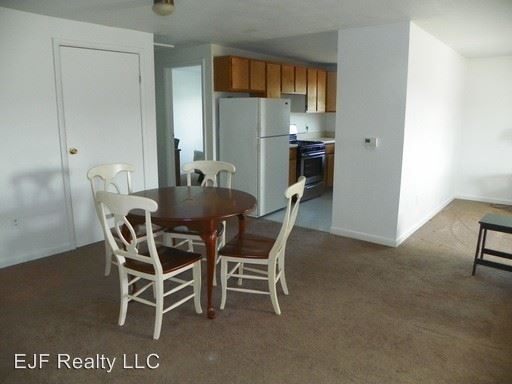 3 Bedrooms 1 Bathroom Apartment for rent at 211 Tompkins St in Cortland, NY