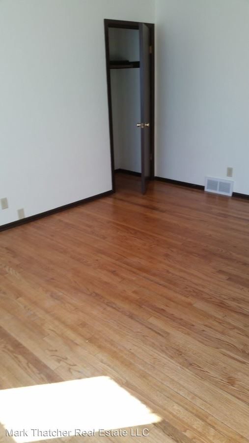 2 Bedrooms 1 Bathroom Apartment for rent at N88 W15115-33-51 Cleveland Ave in Menomonee Falls, WI