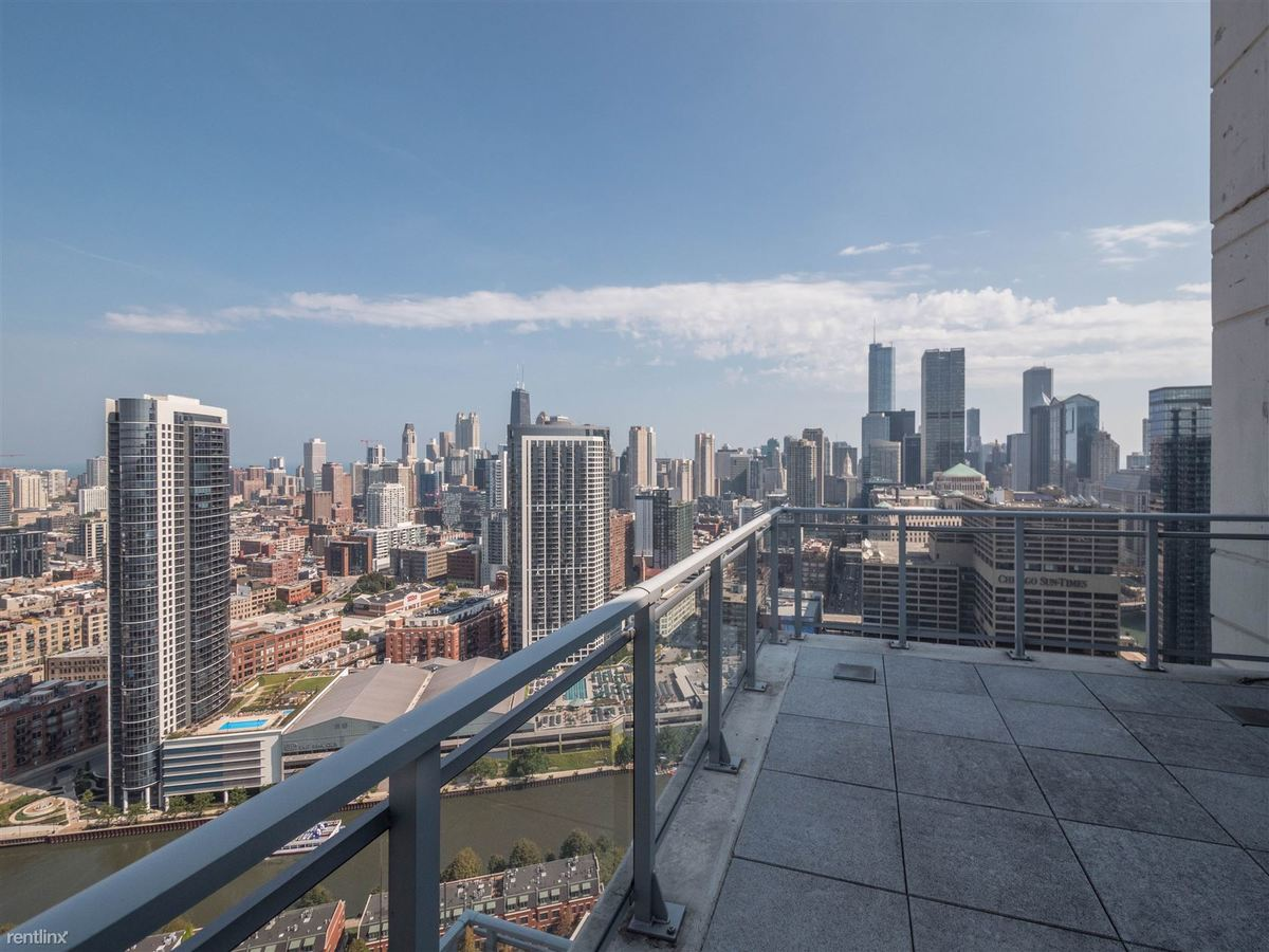 3 Bedrooms 2 Bathrooms Apartment for rent at Alta At K Station in Chicago, IL