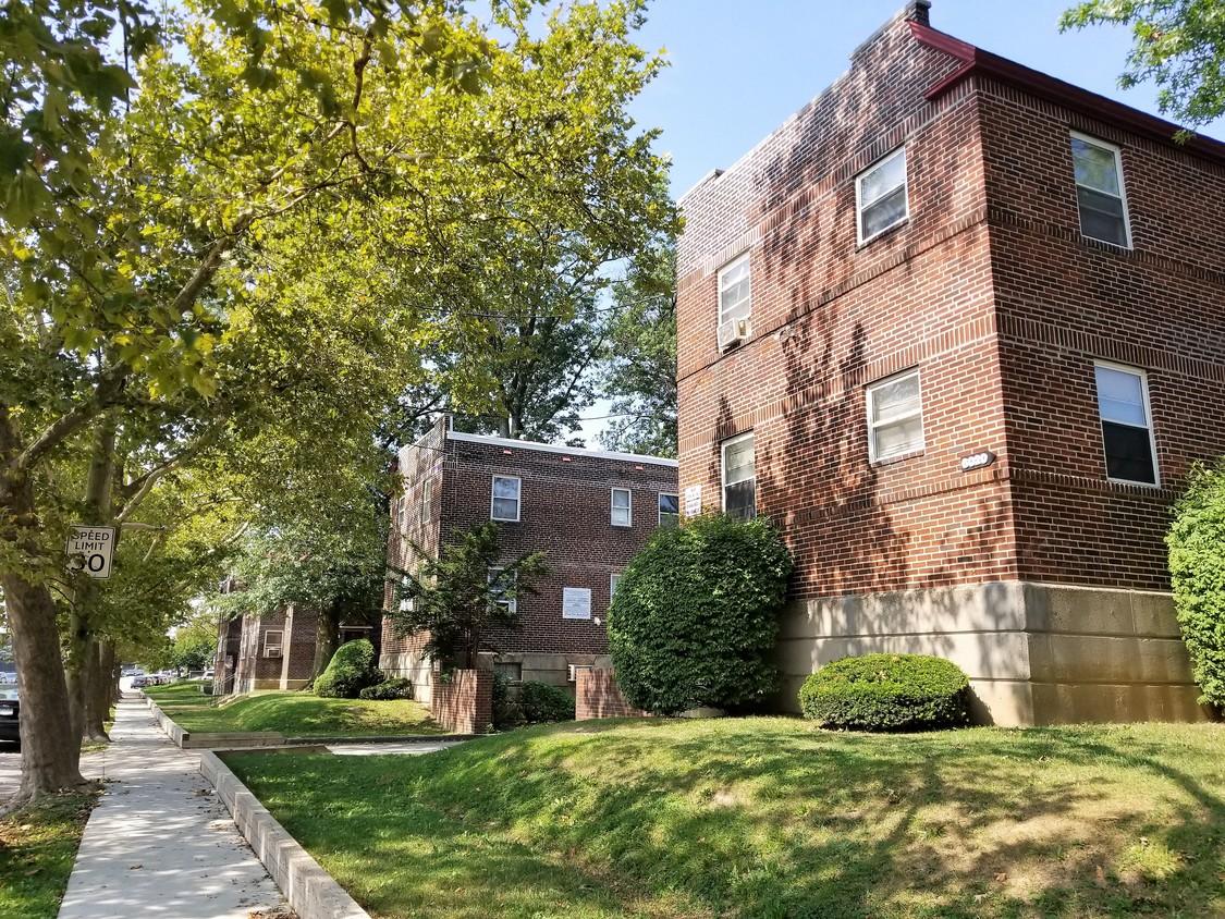 Lawndale Apartments