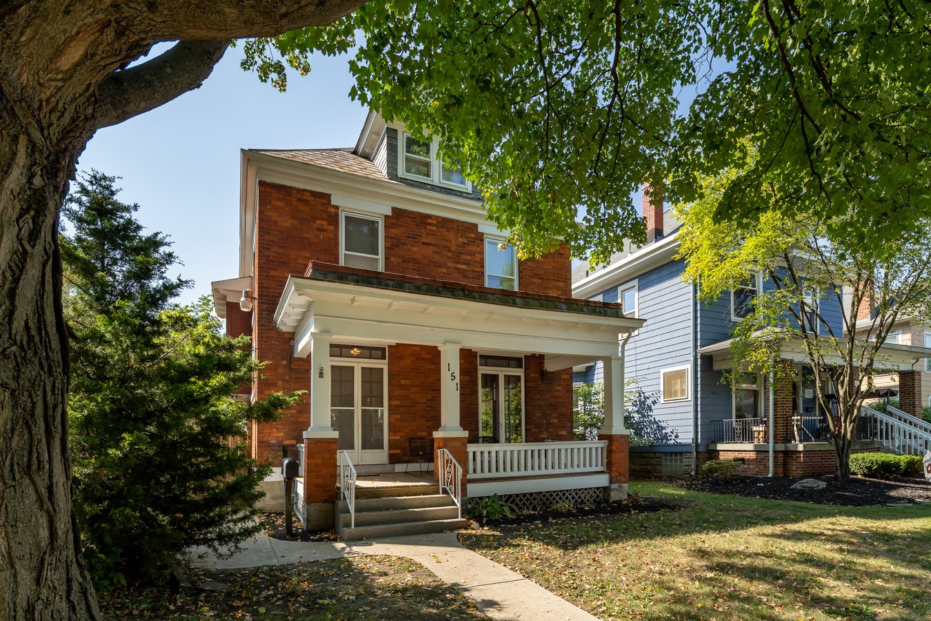 5 Bedrooms 2 Bathrooms House for rent at 151 E Oakland Ave in Columbus, OH
