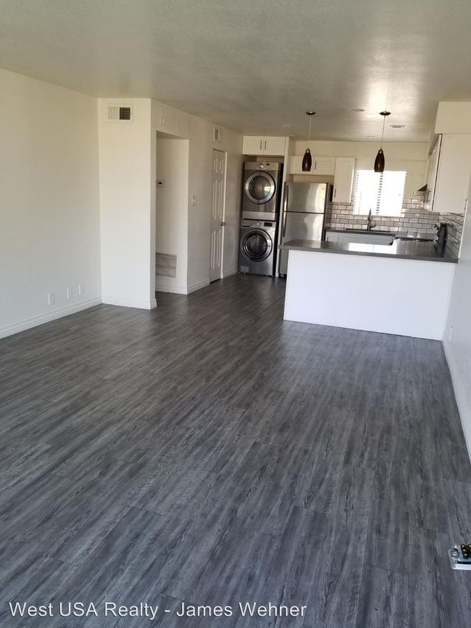 2 Bedrooms 1 Bathroom Apartment for rent at 1700 S College Ave 30 in Tempe, AZ
