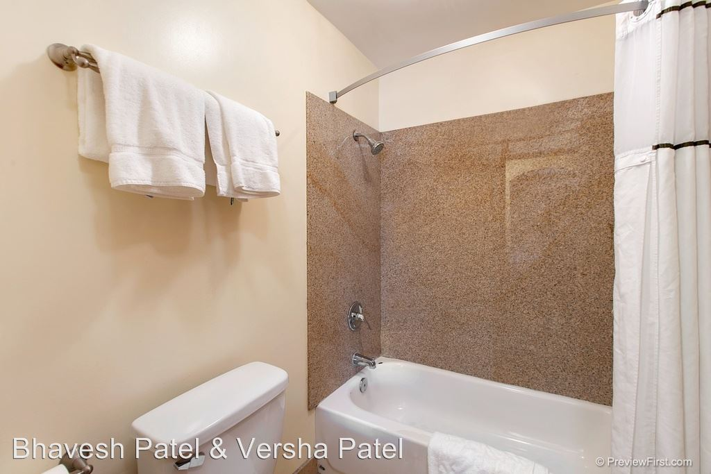 Studio 1 Bathroom Apartment for rent at 2132 Brant Street in San Diego, CA