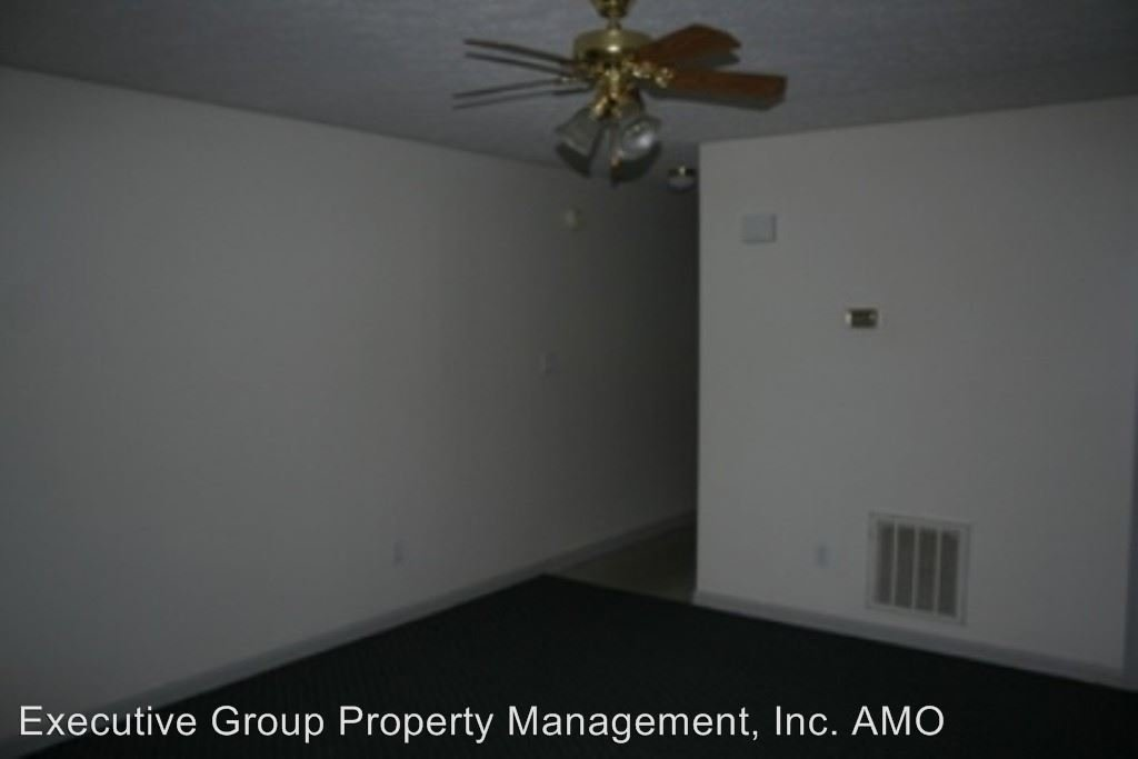 2 Bedrooms 1 Bathroom Apartment for rent at 1117 Crowne Pointe Drive in Elizabethtown, KY