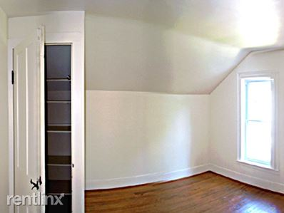 3 Bedrooms 1 Bathroom Apartment for rent at 111 Queen Street in Ithaca, NY