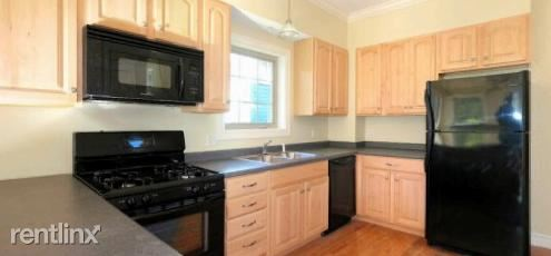 3 Bedrooms 3 Bathrooms Apartment for rent at East Lincoln Street in Ithaca, NY