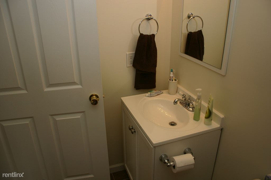2 Bedrooms 1 Bathroom Apartment for rent at Pennsylvania Ave in Ithaca, NY