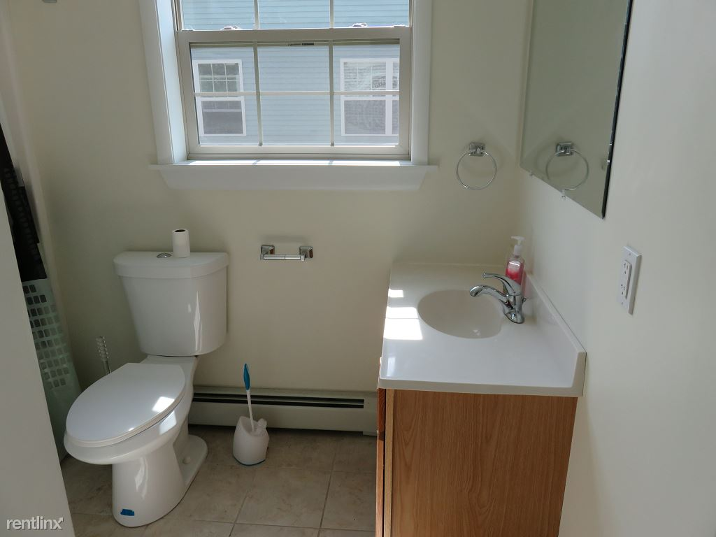 2 Bedrooms 1 Bathroom Apartment for rent at Kendall Ave in Ithaca, NY