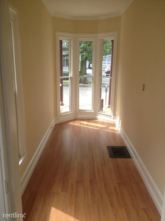 3 Bedrooms 2 Bathrooms Apartment for rent at West Green Street Apartments And Commercial Space in Ithaca, NY