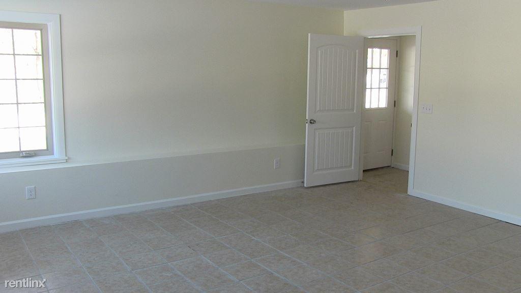 3 Bedrooms 3 Bathrooms Apartment for rent at Coddington Road in Ithaca, NY