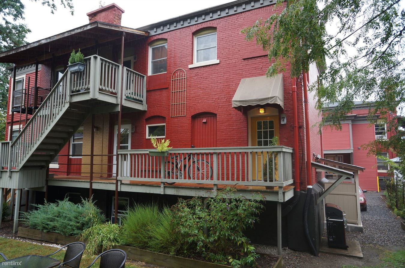 1 Bedroom 1 Bathroom Apartment for rent at 428-430 N. Aurora Street in Ithaca, NY