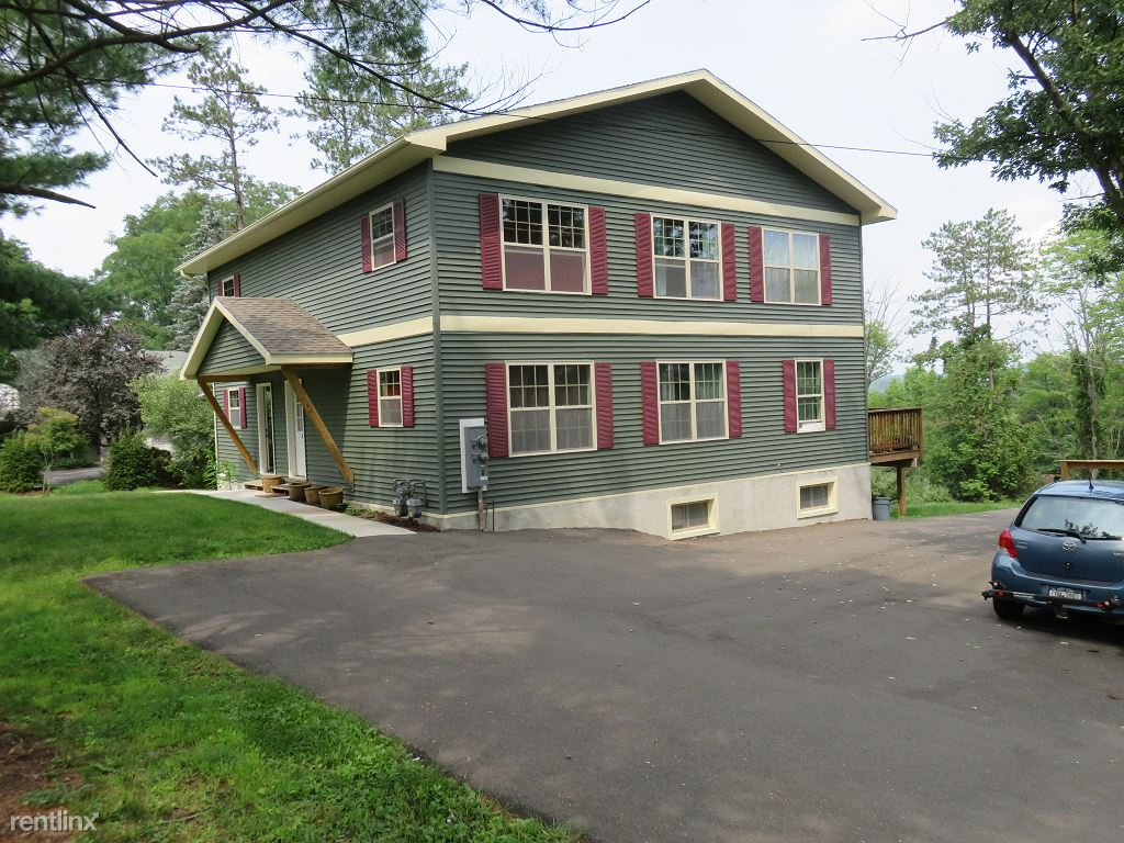 2 Bedrooms 2 Bathrooms Apartment for rent at Coddington Road in Ithaca, NY