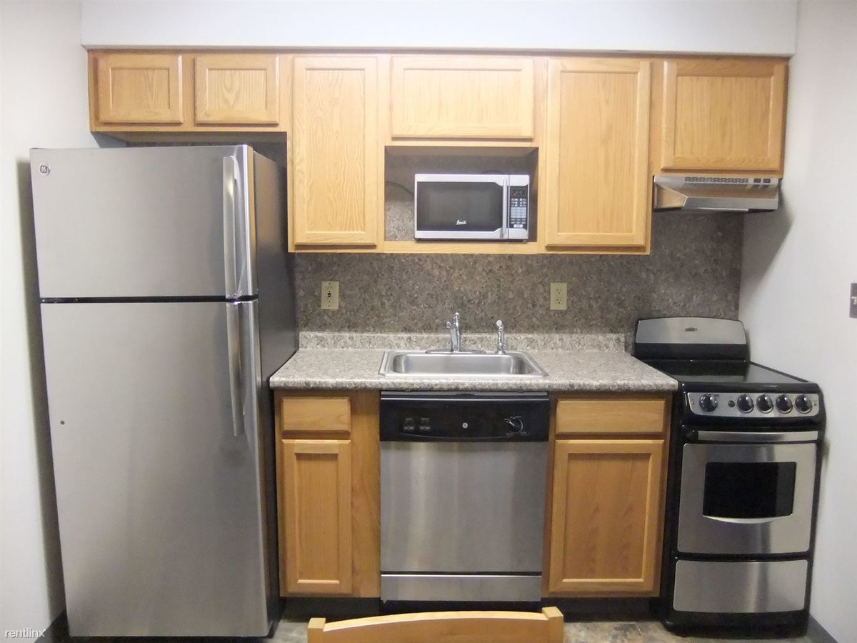 2 Bedrooms 1 Bathroom Apartment for rent at Covered/uncovered Parking In The Heart Of Collegetown in Ithaca, NY