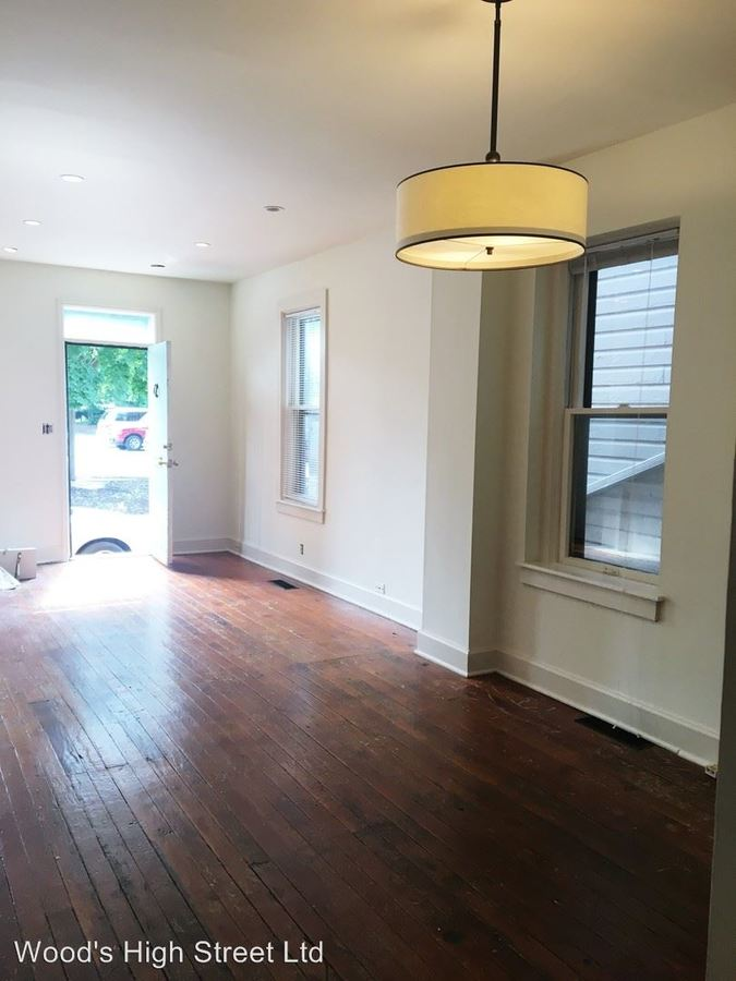 2 Bedrooms 1 Bathroom Apartment for rent at 719 in Columbus, OH