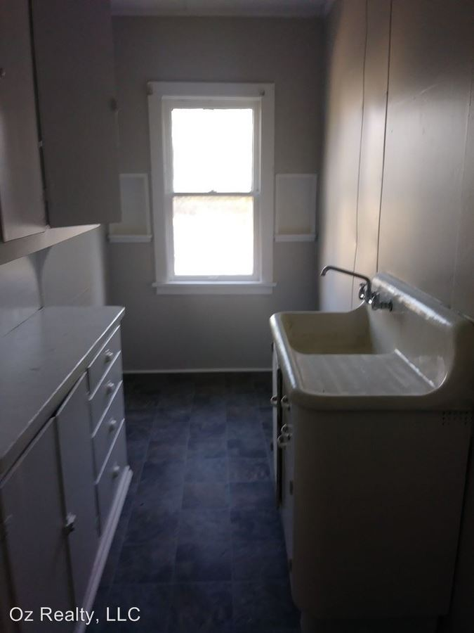 1 Bedroom 1 Bathroom Apartment for rent at 1211 Starr Ave. in Toledo, OH