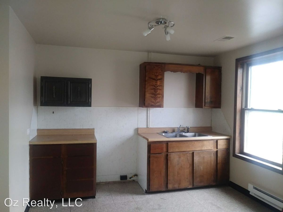 1 Bedroom 1 Bathroom Apartment for rent at 1227 North Superior Street in Toledo, OH