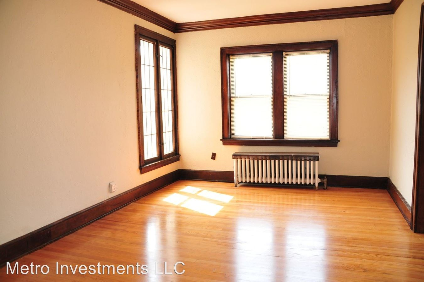 2 Bedrooms 1 Bathroom Apartment for rent at 3817 N Humboldt 1-8 in Milwaukee, WI