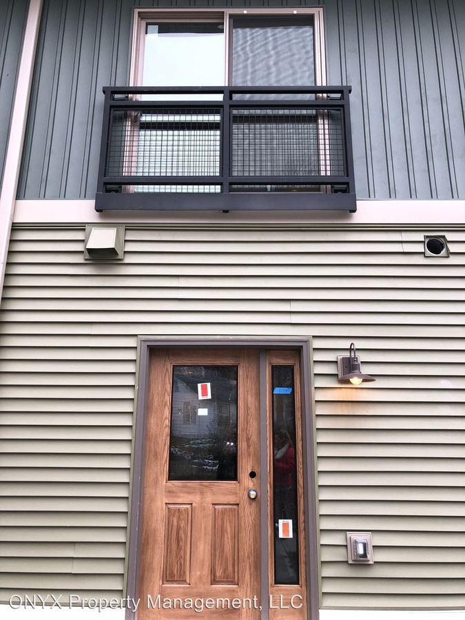 1 Bedroom 1 Bathroom Apartment for rent at 128 Vineyard Ave in Highland, NY