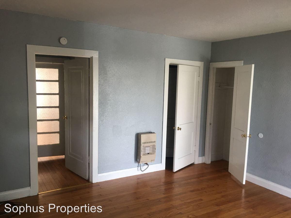 2 Bedrooms 1 Bathroom Apartment for rent at 218 Claremont Ave. in San Antonio, TX