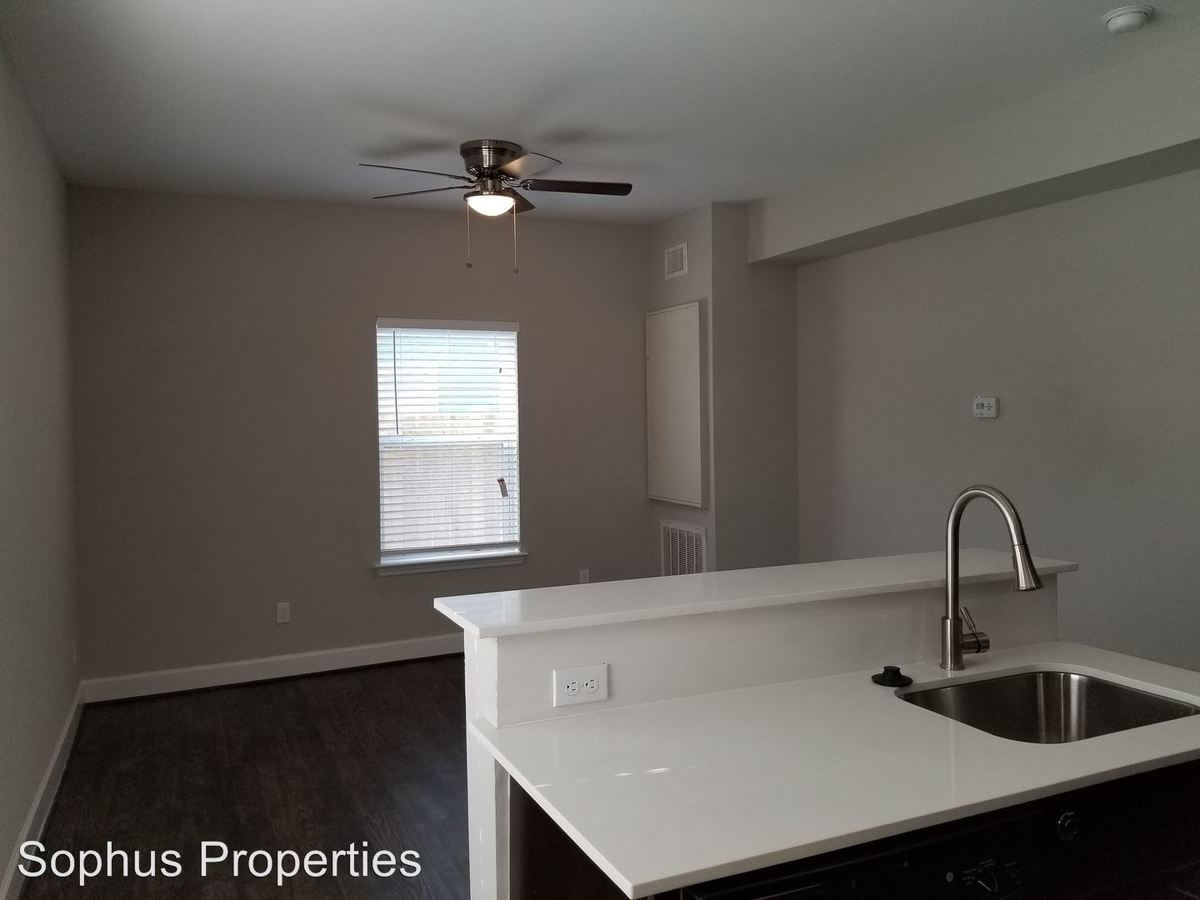 1 Bedroom 1 Bathroom Apartment for rent at 503 W. Kings Hwy in San Antonio, TX