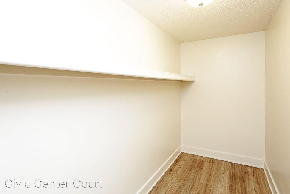 Studio 1 Bathroom Apartment for rent at 200 Grand Avenue in Des Moines, IA