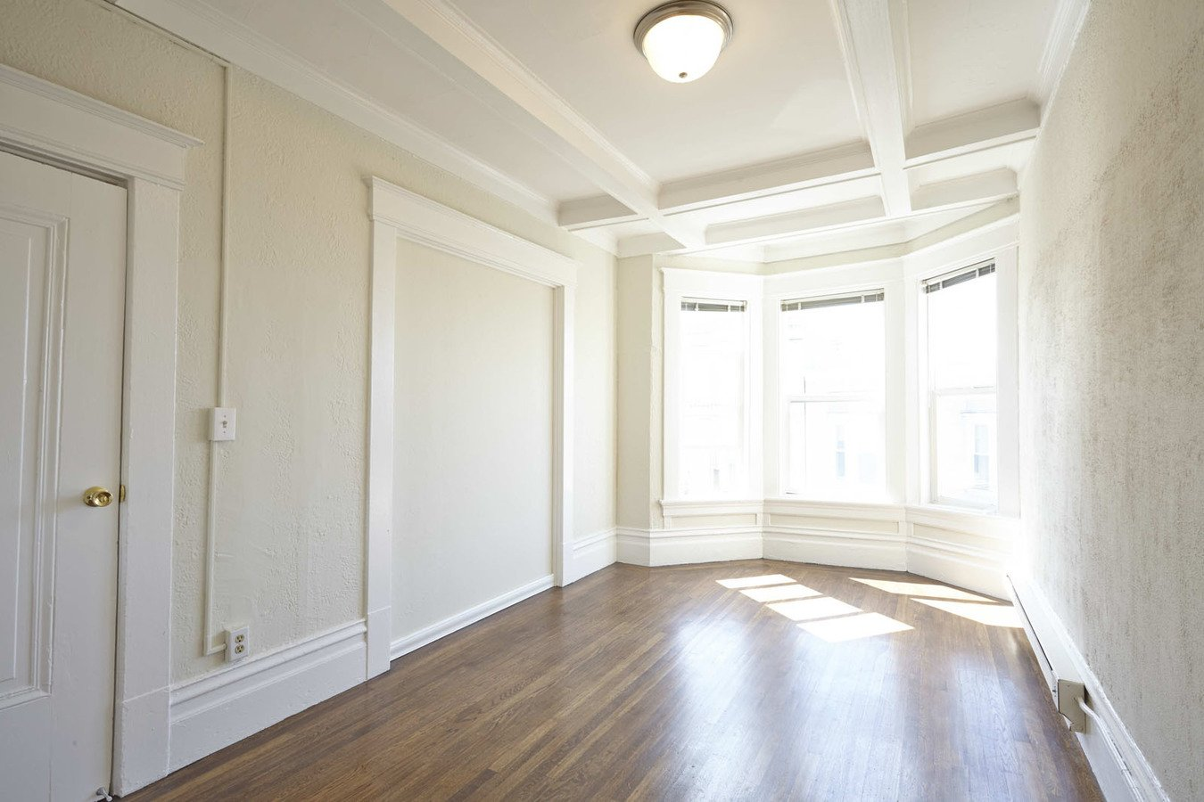 2 Bedrooms 1 Bathroom Apartment for rent at 1301 Leavenworth Apartments in San Francisco, CA