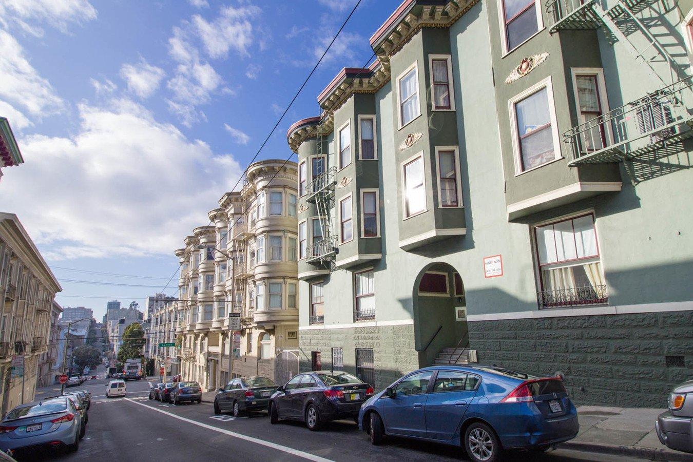 1 Bedroom 1 Bathroom Apartment for rent at 1560 Sacramento Apartments & Suites in San Francisco, CA