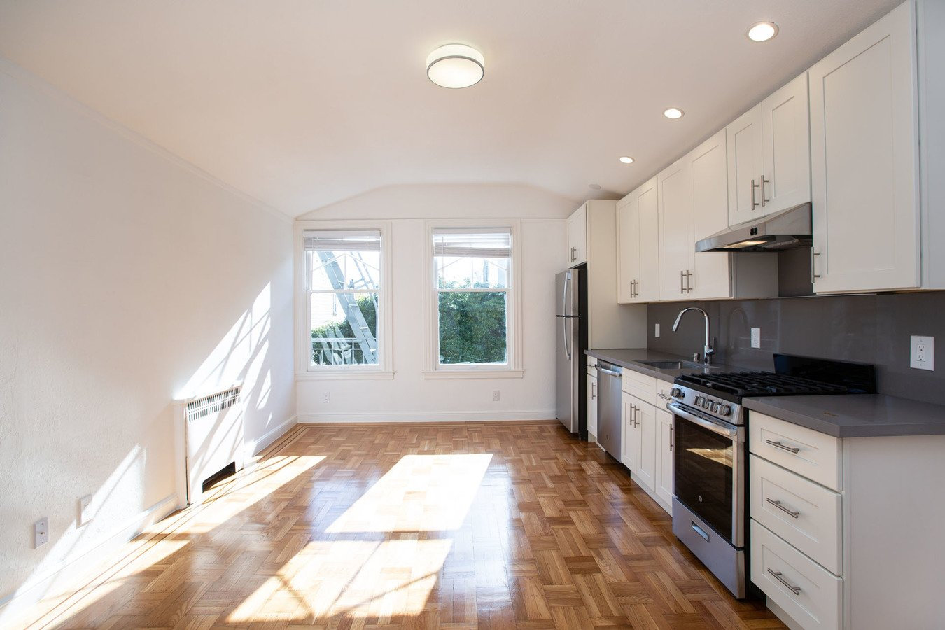 1 Bedroom 1 Bathroom Apartment for rent at 915 Pierce Apartments in San Francisco, CA