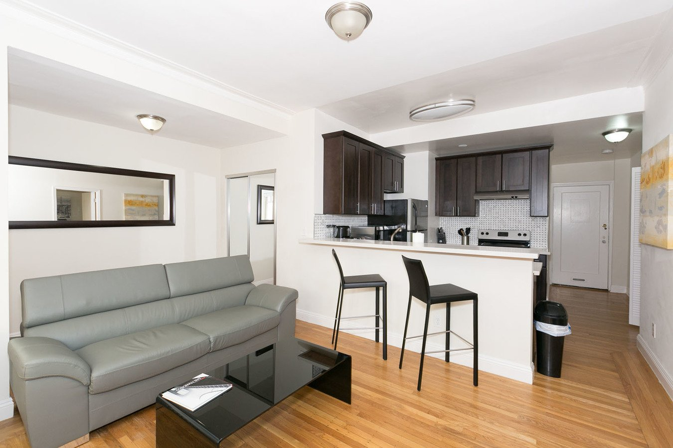 1 Bedroom 1 Bathroom Apartment for rent at 1320-1380 Lombard Apartments & Suites in San Francisco, CA