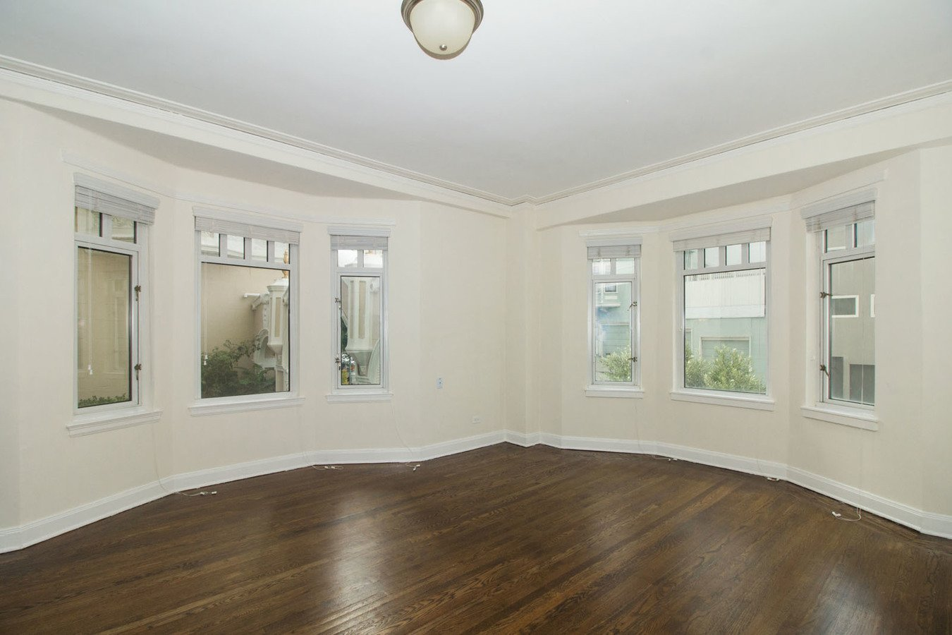 2 Bedrooms 2 Bathrooms Apartment for rent at 1320-1380 Lombard Apartments & Suites in San Francisco, CA