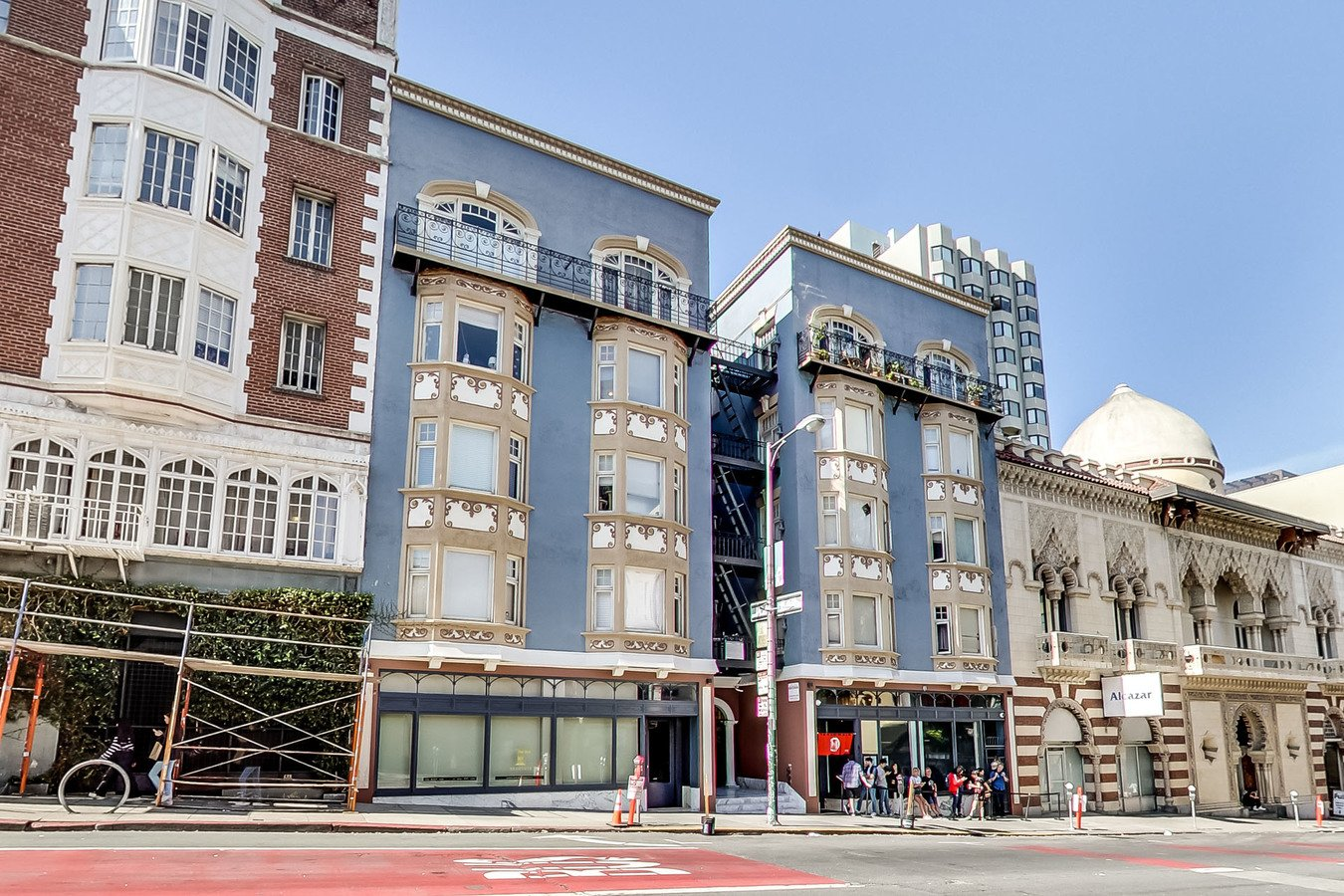 2 Bedrooms 1 Bathroom Apartment for rent at 676 Geary Apartments in San Francisco, CA