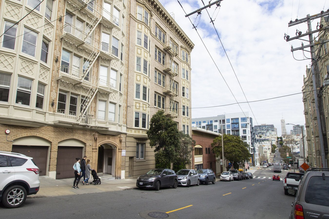 2 Bedrooms 1 Bathroom Apartment for rent at 1840 Clay Apartments in San Francisco, CA