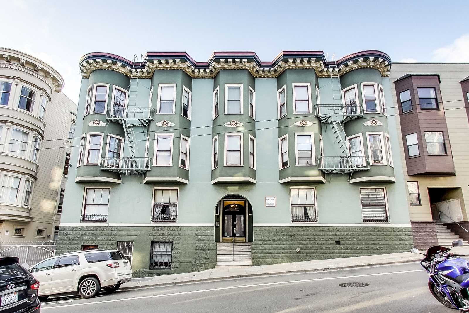 1560 SACRAMENTO Apartments & Suites, San Francisco - (see ...