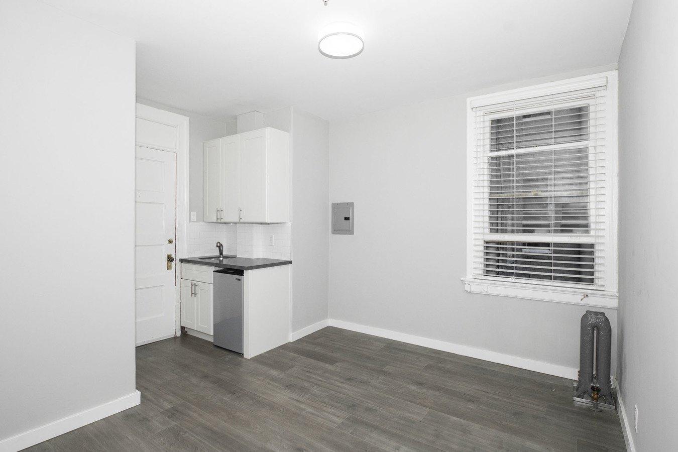 Studio 1 Bathroom Apartment for rent at 698 Bush Apartments in San Francisco, CA