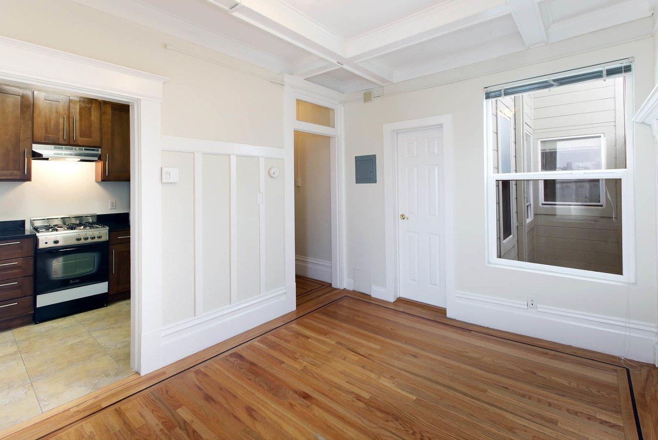 Studio 1 Bathroom Apartment for rent at 1301 Leavenworth Apartments in San Francisco, CA