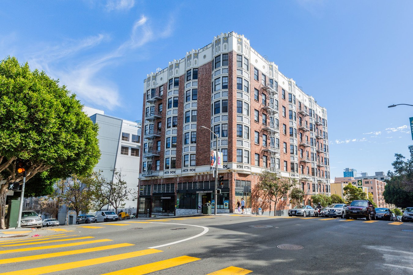 2 Bedrooms 1 Bathroom Apartment for rent at 950 Franklin Apartments in San Francisco, CA