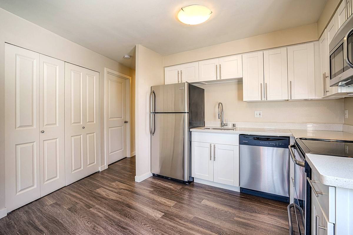 2 Bedrooms 2 Bathrooms Apartment for rent at Scenic At 1800 Eastlake in Seattle, WA