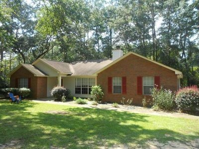 4 Bedrooms 2 Bathrooms House for rent at 1620 Cherry Hill Lane in Tallahassee, FL