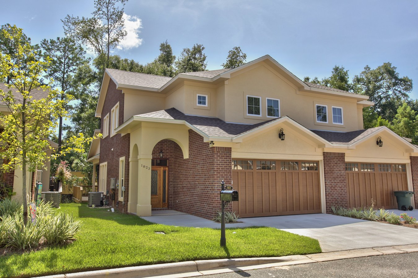 3 Bedrooms 3 Bathrooms Apartment for rent at Ashley Hall Townhomes in Tallahassee, FL