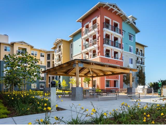 Blu Harbor Apartments