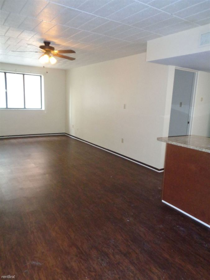 2 Bedrooms 1 Bathroom Apartment for rent at 527 Monroe Ave in Bellevue, PA