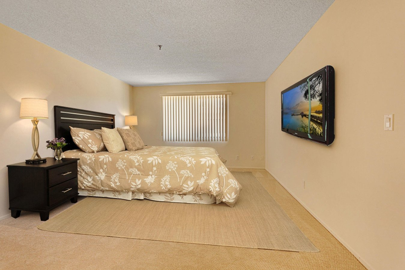 1 Bedroom 1 Bathroom Apartment for rent at Encino Majestic in Encino, CA